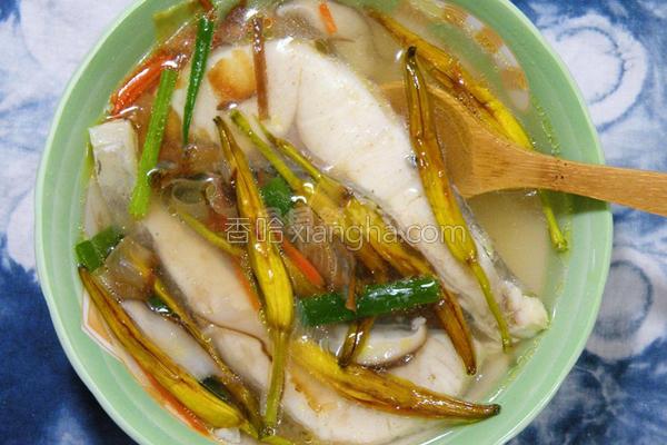 金针鱼片汤的做法