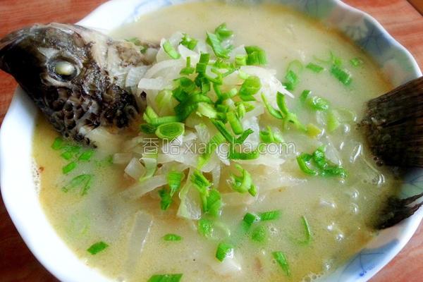 萝卜丝鱼汤的做法
