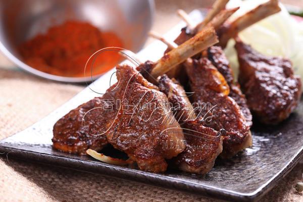 新疆孜然烤羊排的做法