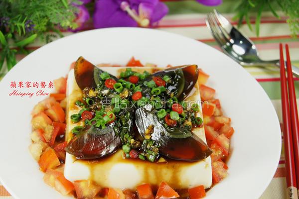 凉拌皮蛋豆腐番茄的做法