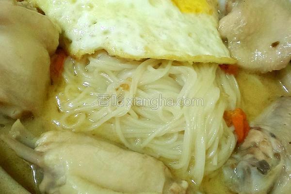 麻油鸡汤面线的做法