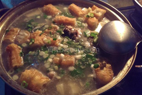 葱皮油鱼汤的做法