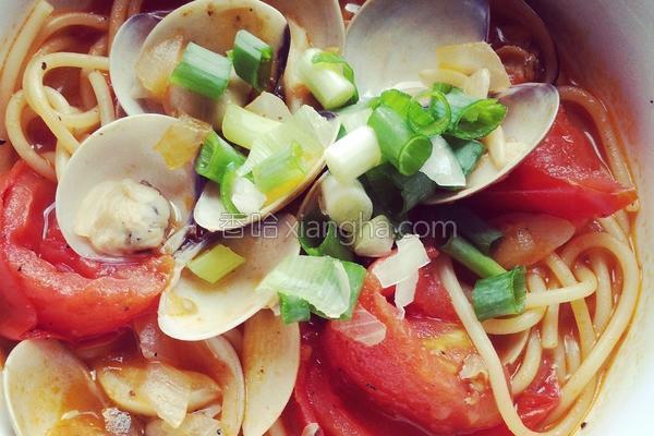 番茄蛤蜊意式汤面的做法