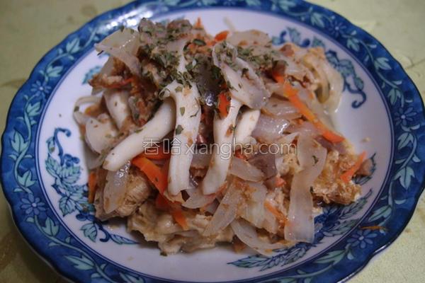 鲜菇烩豆包的做法