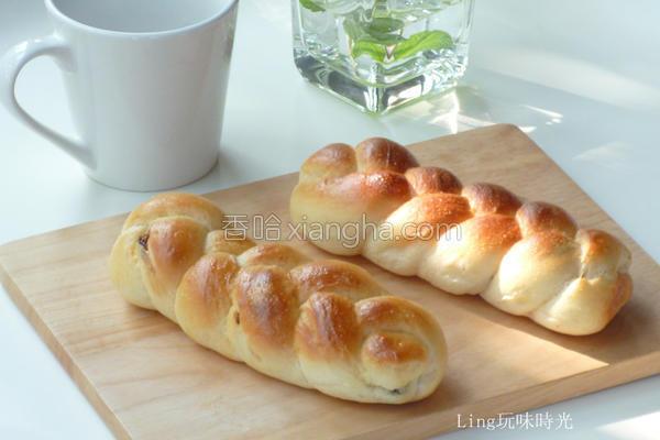 葡萄干辫子面包的做法