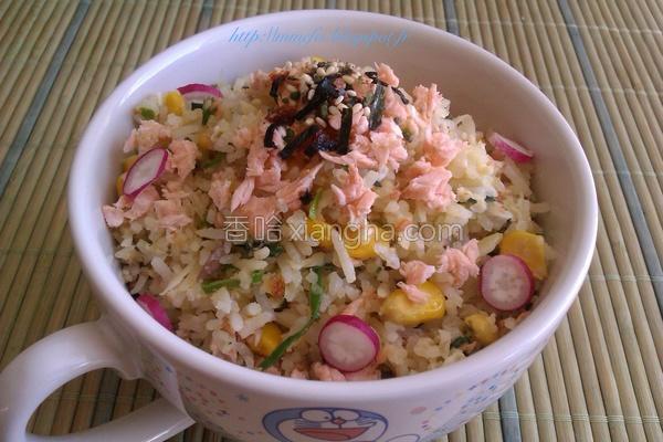 日式鲑鱼炒饭的做法
