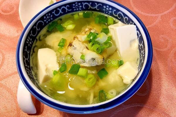 鱼香味噌豆腐汤