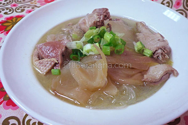 酸菜鸭肉冬粉的做法