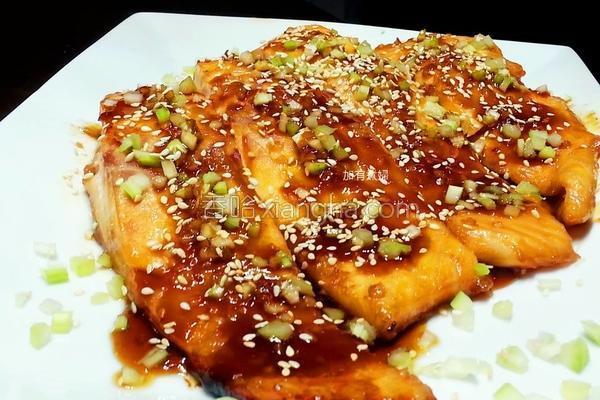 蒲烧酱烤鲑鱼的做法