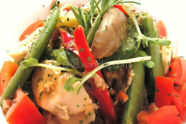 迷迭香鲔鱼拌菇菜的做法