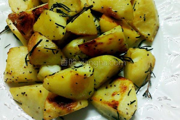 烤迷迭香马铃薯的做法