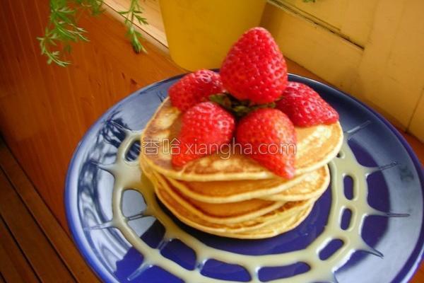草莓炼奶薄饼的做法
