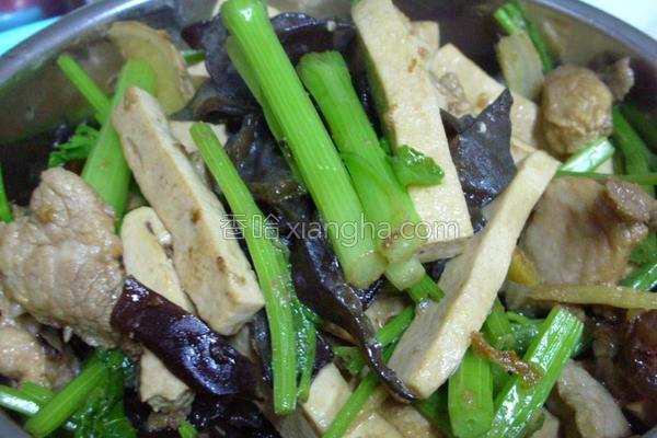 芹菜炒肉丝的做法