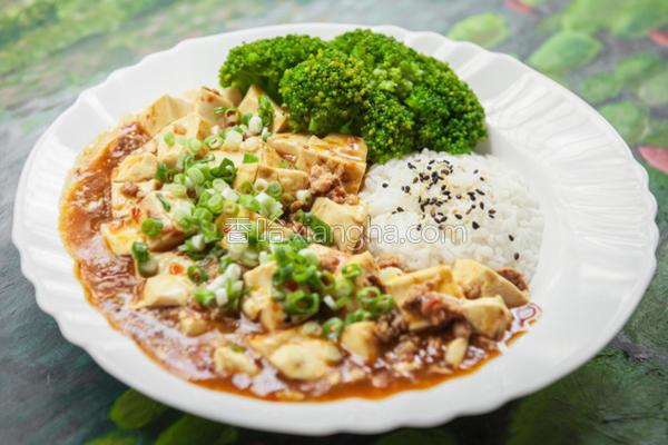 麻婆豆腐饭的做法