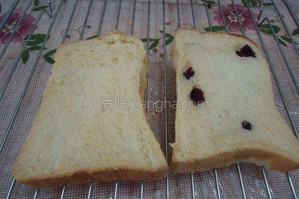 鲜奶蔓越莓吐司的做法