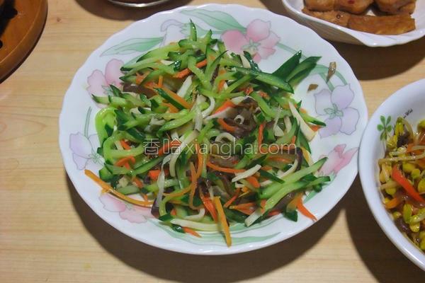 小黄瓜炒三丝的做法