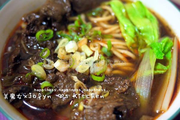 台湾味红烧牛杂面的做法