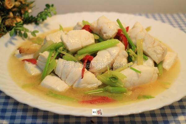 时蔬拌炒曼波鱼的做法