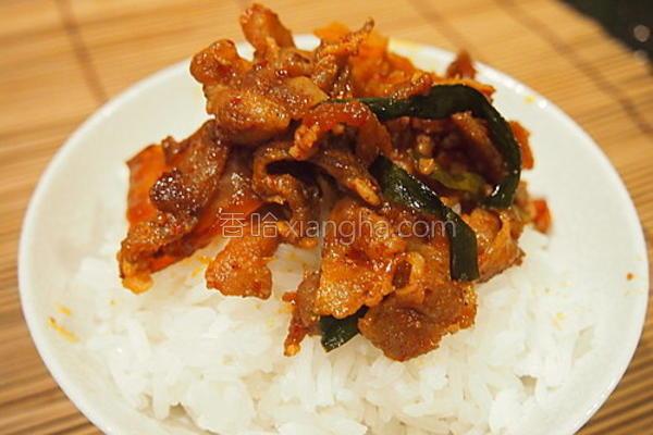 泡菜炒猪肉的做法
