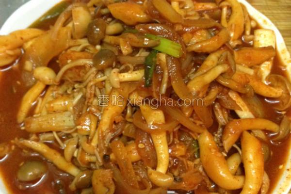 辣酱炒菇菇的做法