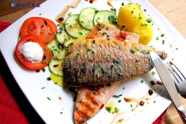 干煎鲑鳟鱼的做法
