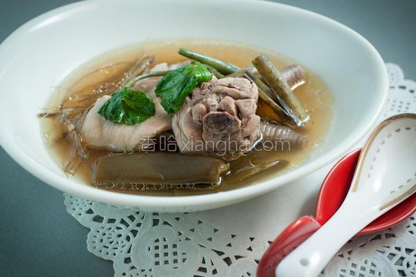 山葵鸡汤的做法