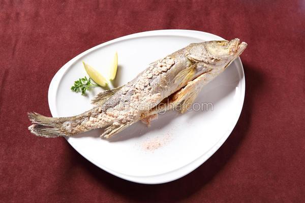 岩盐烤鱼的做法