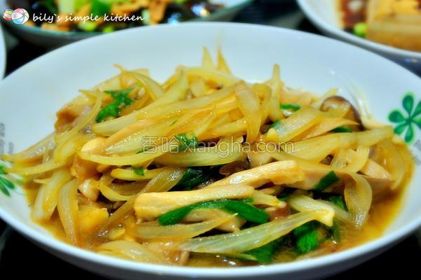 洋葱炒菇的做法