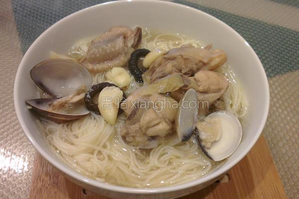 香菇蛤蜊鸡汤面线的做法