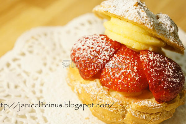 草莓卡士达泡芙的做法