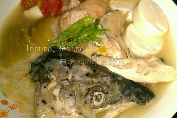 三文鱼头米粉汤的做法