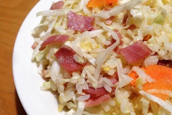 蒜香培根蛋炒饭的做法