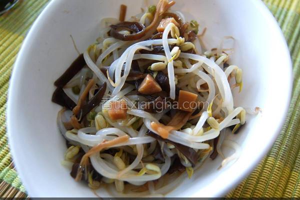 黑菇酱拌豆芽的做法