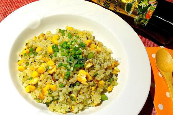青酱玉米蛋炒饭的做法