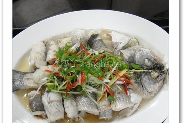 葱香蒸鲈鱼卷的做法