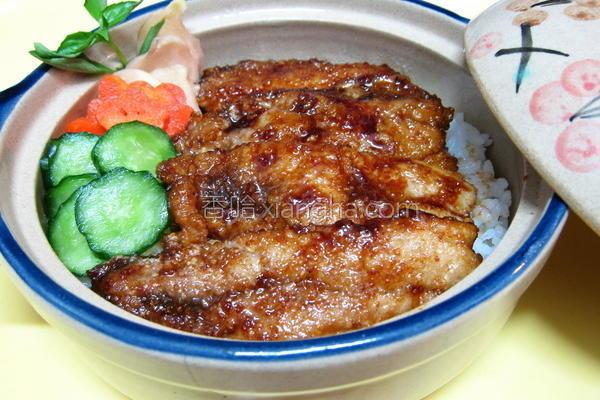 蒲烧秋刀鱼盖饭的做法