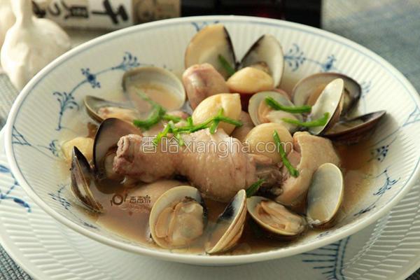 蒜头蛤蜊鸡锅的做法