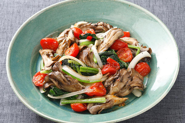 舞菇炒菠菜的做法