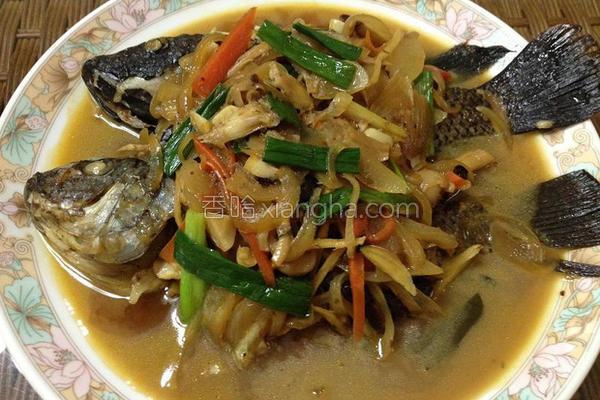 葱烧菇菇鱼的做法