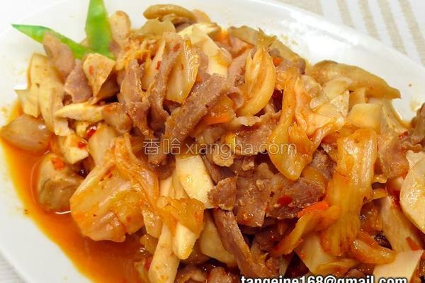 泡菜猪肉炒鲍菇的做法