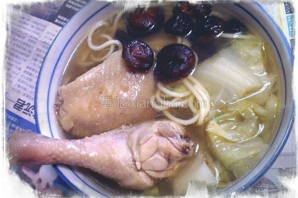 葱炖香菇鸡腿面的做法