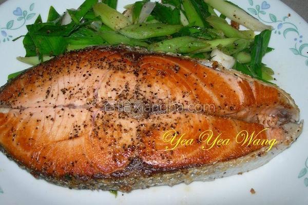 蒜香鲑鱼的做法