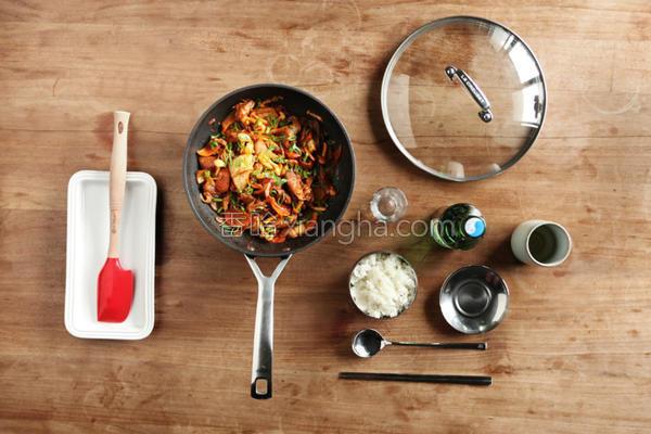 辣炒韩式猪肉泡菜的做法