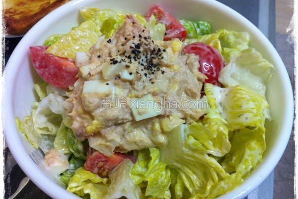 鲔鱼生菜沙拉的做法