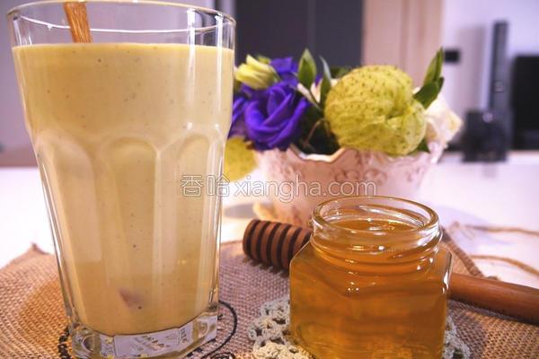 酪梨核桃牛奶的做法