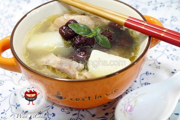 红枣山药炖鸡汤的做法