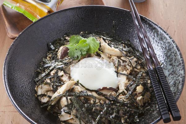 百菇海苔盖饭的做法