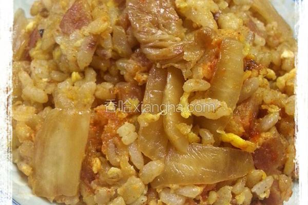 泡菜香肠蛋炒饭