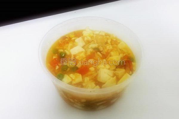 蟹黄豆腐煲的做法