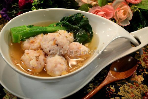 墨鱼丸配鲣鱼汤的做法